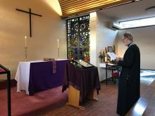 Fr. Geoff serves the Akathist to the Theotokos in the Small Chapel at Lent